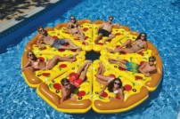 Pool floats like pizza floats, swans, flamingos and unicorns are one of the hottest trends of summer 2016.