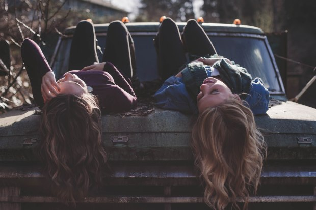 25-weird-things-im-thankful-for-sisters