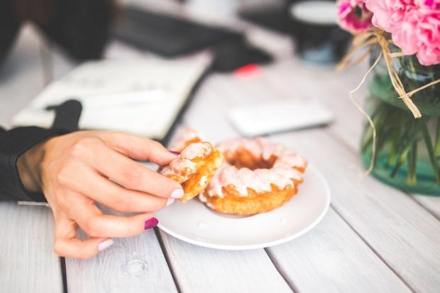 decreased-work-performance-unhealthy-eating.jpg