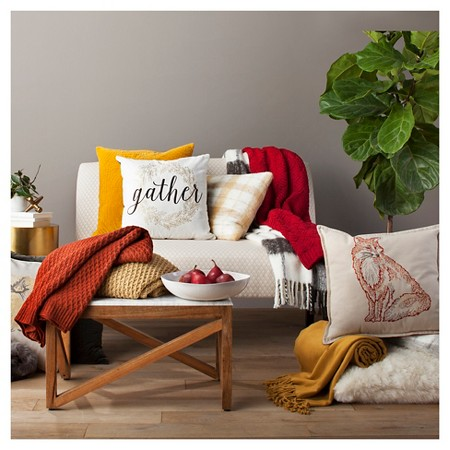 fall-finds-cozy-throw-pillows-and-blankets