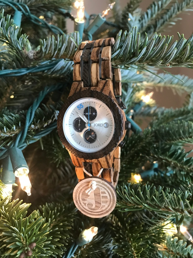 christmas-gift-ideas-for-the-man-in-your-life-wood-watch-mens-watch