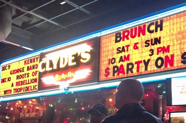 things-to-do-in-chattanooga-tennessee-experience-nightlife-clydes