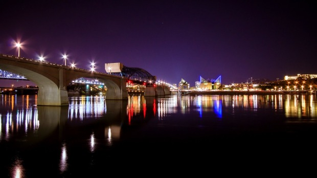 things-to-do-in-chattanooga-tennessee-walk-downtown