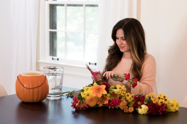 budget-friendly-diy-fall-decor-cheap-easy-fall-flowers